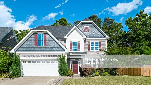 Photo 1 of 27 - 244 Vinewood Pl, Holly Springs, NC 27540
