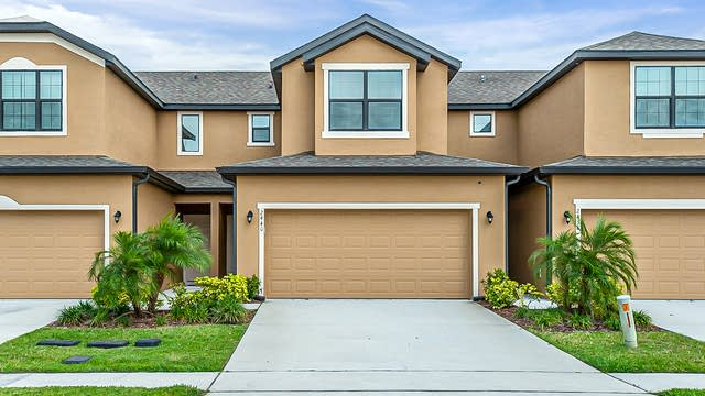 Photo 1 of 22 - 2440 Seven Oaks Dr, Saint Cloud, FL 34772