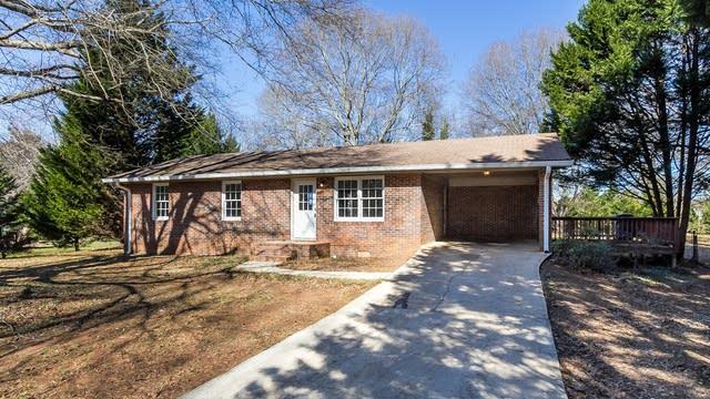 Photo 1 of 27 - 106 Hilltop Cir, Auburn, GA 30011