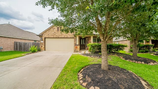 Photo 1 of 38 - 17914 Chelsea Dell Dr, Cypress, TX 77429