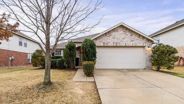 Photo 1 of 19 - 4652 Pangolin Dr, Fort Worth, TX 76244