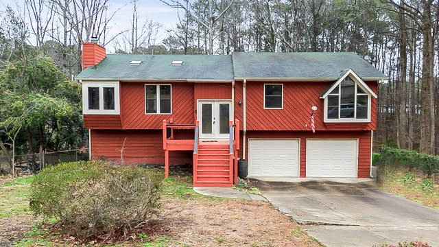 Photo 1 of 27 - 4077 Maxanne Dr NW, Kennesaw, GA 30144