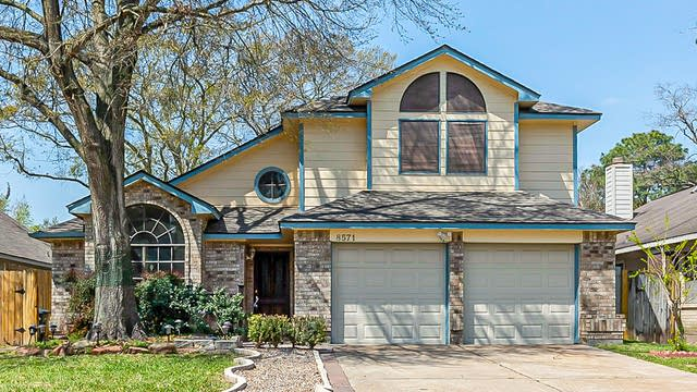 Photo 1 of 31 - 8571 Spring Green Dr, Houston, TX 77095