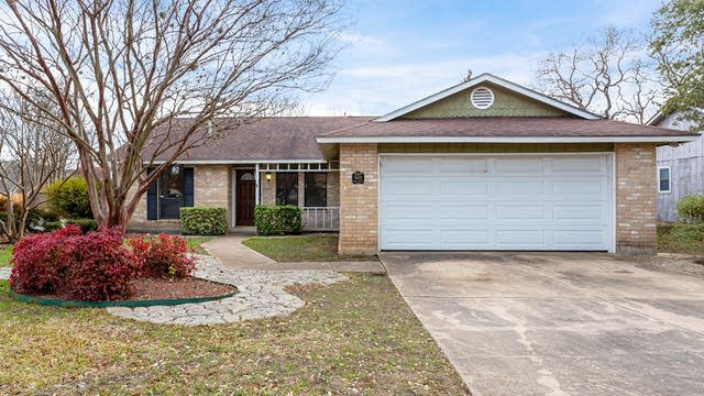 Photo 1 of 19 - 9802 Broad Forest St, San Antonio, TX 78250