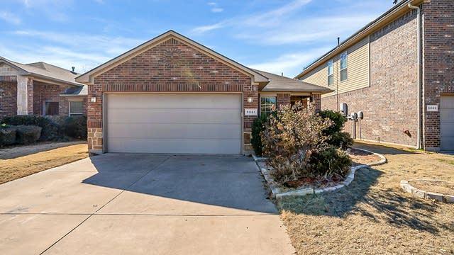 Photo 1 of 19 - 5061 Britton Ridge Ln, Fort Worth, TX 76179