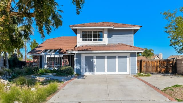 Photo 1 of 27 - 11211 Green Arbor Dr, Riverside, CA 92505