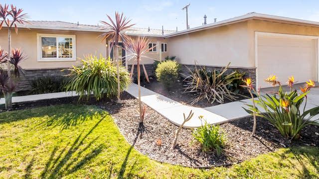 Photo 1 of 26 - 6426 E Wardlow Rd, Long Beach, CA 90808