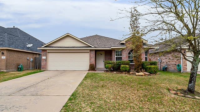Photo 1 of 30 - 25446 Barmby Dr, Tomball, TX 77375