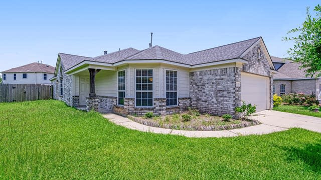 Photo 1 of 15 - 9819 Barr Spring Dr, Humble, TX 77396