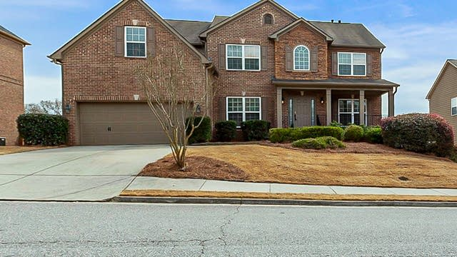 Photo 1 of 36 - 1708 Centerville Dr, Buford, GA 30518