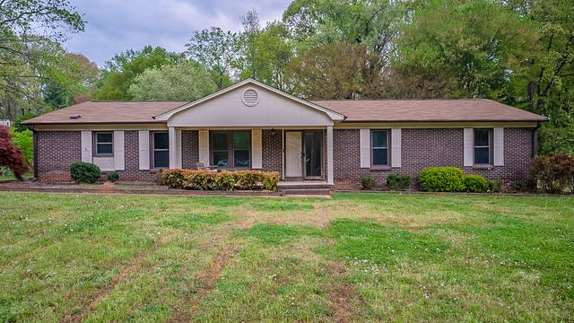 Photo 1 of 35 - 105 Colonial Dr, Belmont, NC 28012