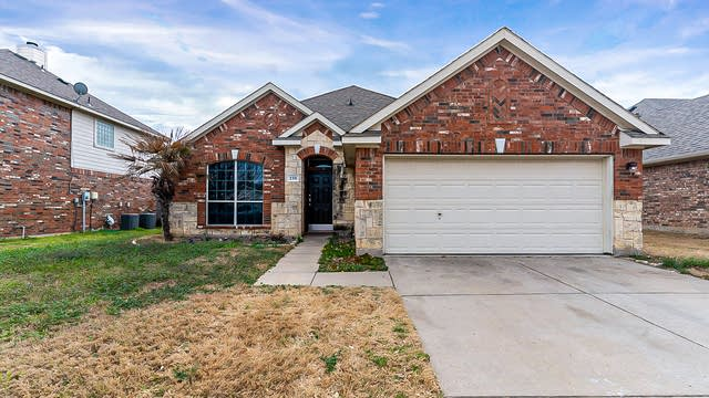 Photo 1 of 23 - 239 Hilltop Dr, Justin, TX 76247