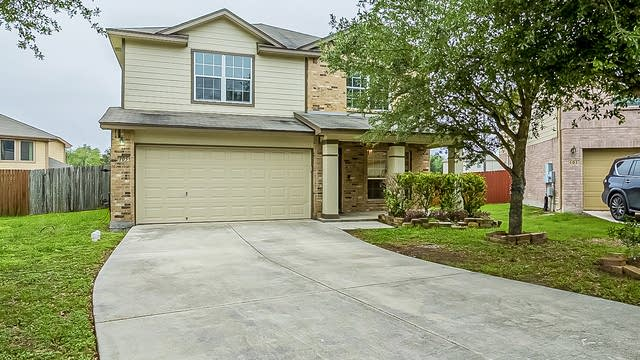 Photo 1 of 28 - 105 Farmview, Cibolo, TX 78108