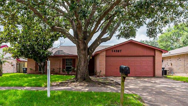 Photo 1 of 25 - 14307 Branchwater Ln, Sugar Land, TX 77498