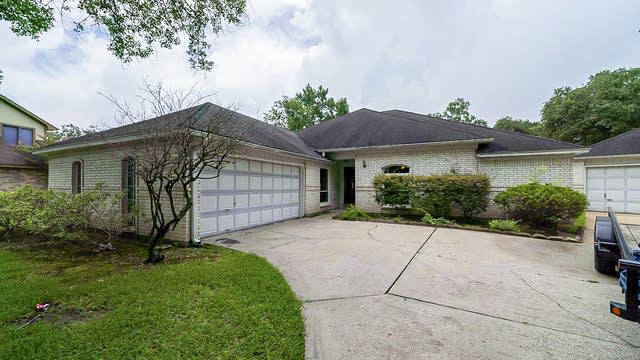Photo 1 of 35 - 15806 Afore Dr, Crosby, TX 77532
