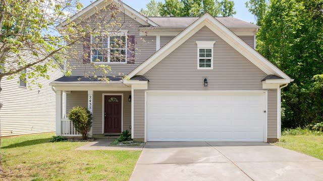 Photo 1 of 20 - 2435 Cairns Mill Ct, Charlotte, NC 28269