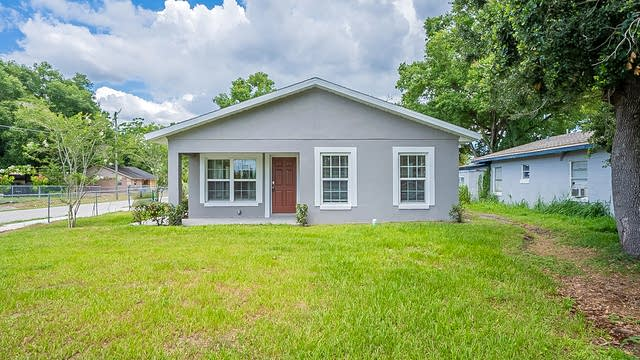 Photo 1 of 26 - 5951 W Central Blvd, Orlando, FL 32835