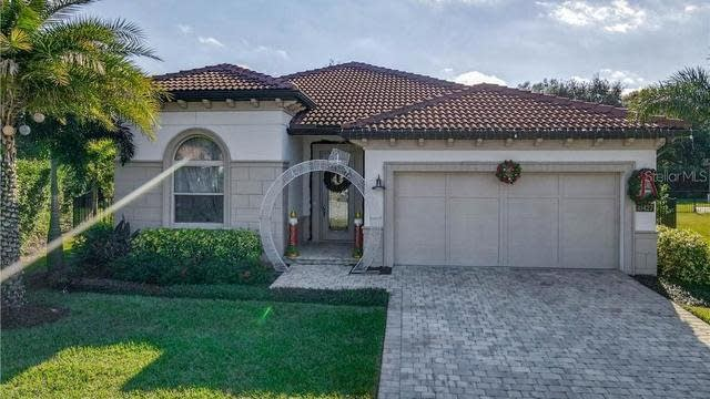 Photo 1 of 71 - 10427 Angel Oak Ct, Orlando, FL 32836