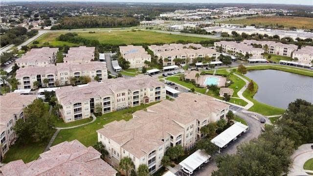 Photo 1 of 21 - 3001 Greystone Loop #301, Kissimmee, FL 34741