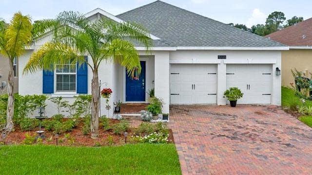 Photo 1 of 25 - 10126 Lovegrass Ln, Orlando, FL 32832