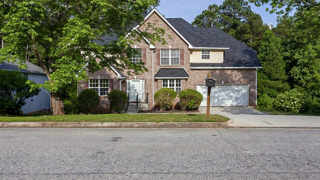 Photo 1 of 35 - 4777 Ruby Forrest Dr, Stone Mountain, GA 30083