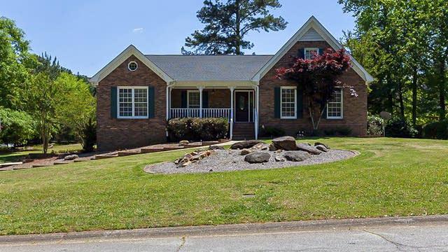 Photo 1 of 35 - 3500 Thunderwood Ln, Snellville, GA 30039