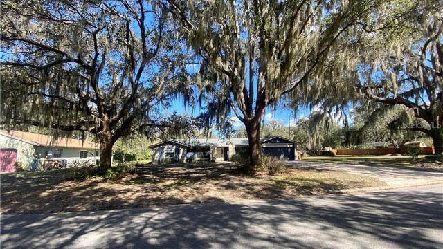 Photo 1 of 25 - 1627 Regal Oak Dr, Kissimmee, FL 34744