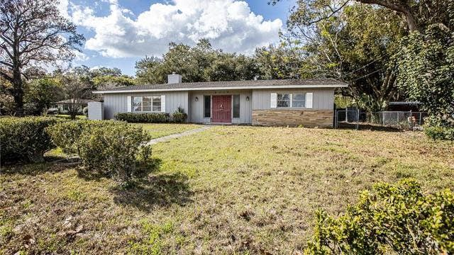 Photo 1 of 34 - 2112 Hollywood Dr, Leesburg, FL 34748