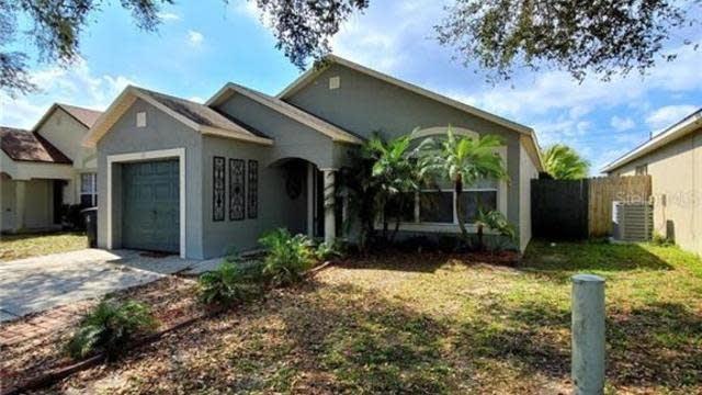 Photo 1 of 28 - 216 Daniels Pointe Dr, Winter Garden, FL 34787