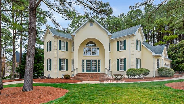 Photo 1 of 33 - 2530 Penfold Ln, Wake Forest, NC 27587