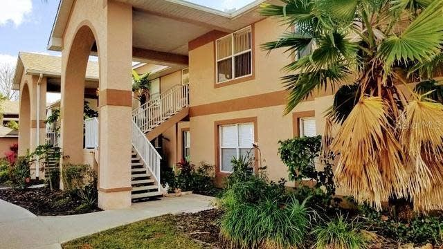 Photo 1 of 34 - 2670 Emerald Lake Ct #2670, Kissimmee, FL 34744