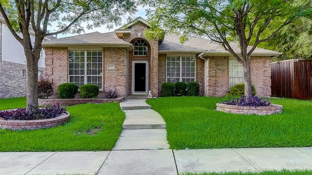Photo 1 of 39 - 3712 Red Oak Trl, The Colony, TX 75056