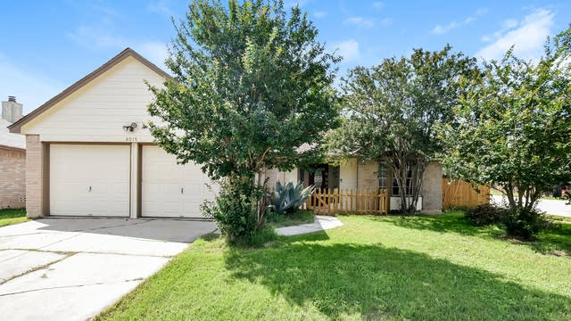 Photo 1 of 25 - 8015 Forest Br, Live Oak, TX 78233