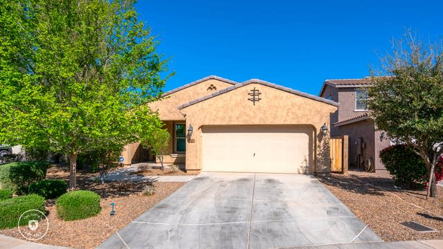 Photo 1 of 28 - 2413 S 103rd Dr, Tolleson, AZ 85353