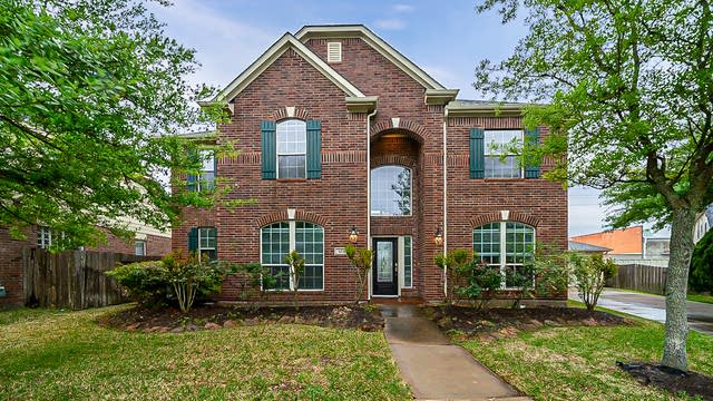 Photo 1 of 43 - 4643 Countrycrossing Dr, Spring, TX 77388