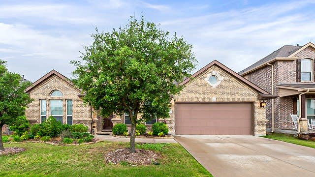 Photo 1 of 25 - 119 Derby Ln, Hickory Creek, TX 75065