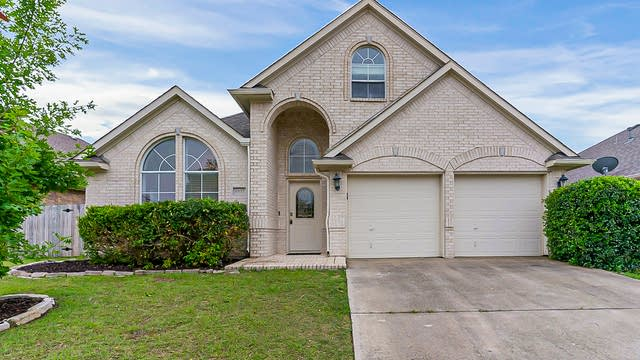 Photo 1 of 35 - 6937 Andress Dr, Fort Worth, TX 76132