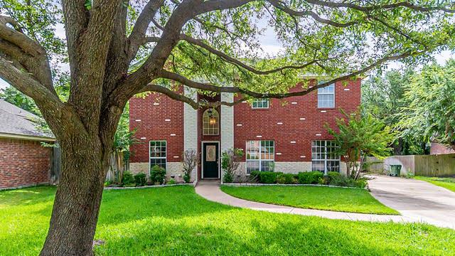 Photo 1 of 32 - 6411 Big Oak Ct, Arlington, TX 76001