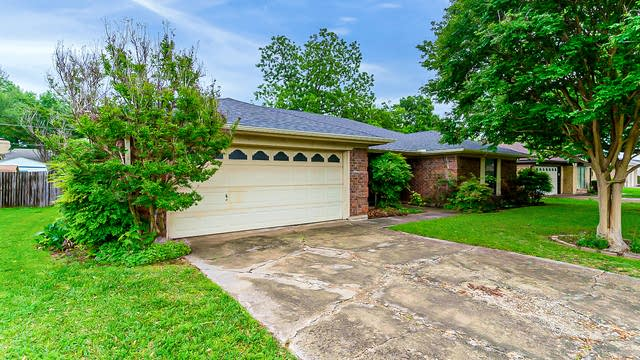 Photo 1 of 24 - 5524 Misty Meadow Dr, North Richland Hills, TX 76180