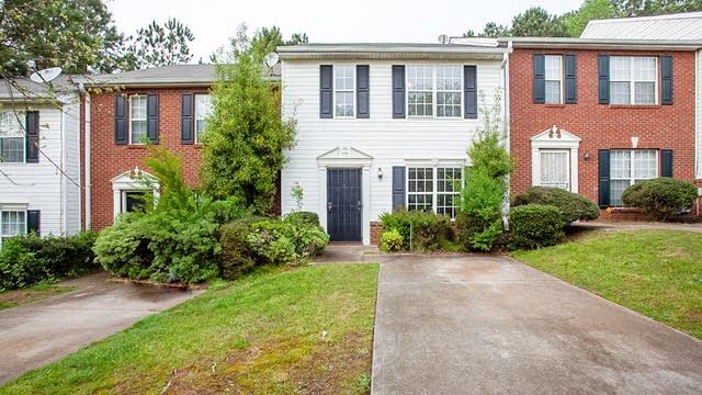 Photo 1 of 22 - 1375 Hollenbeck Ln, Riverdale, GA 30296