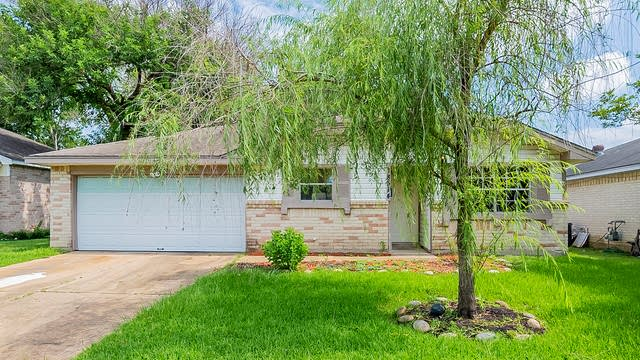 Photo 1 of 22 - 18514 Andalusian Dr, Cypress, TX 77433