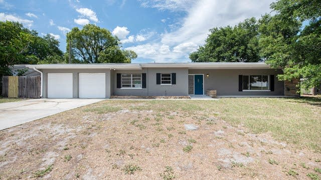 Photo 1 of 19 - 1764 Faulds Rd N, Clearwater, FL 33756