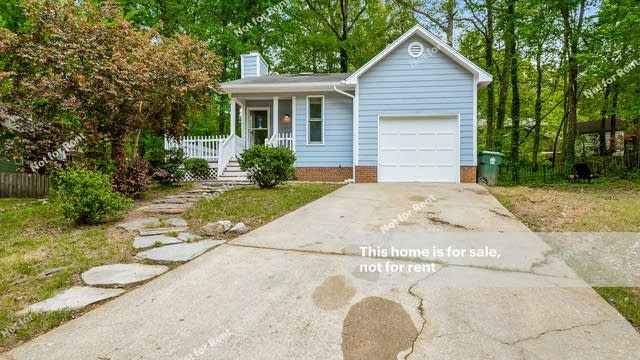 Photo 1 of 23 - 102 Shotts Ct, Cary, NC 27511