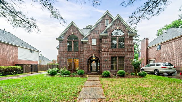 Photo 1 of 39 - 16014 Winchmore Hill Dr, Spring, TX 77379