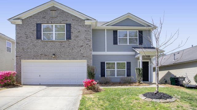 Photo 1 of 25 - 8711 Earthenware Dr, Charlotte, NC 28269
