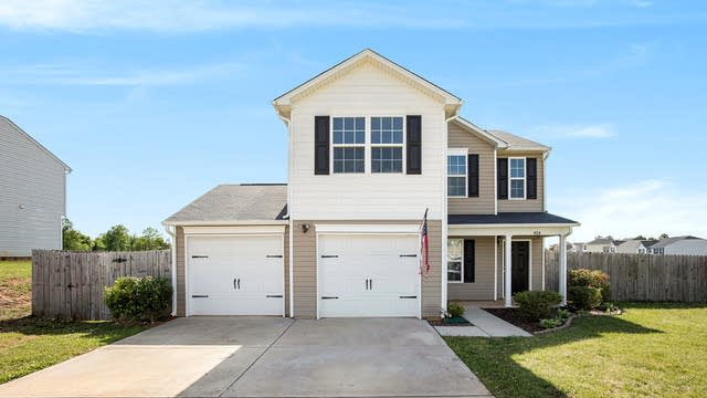 Photo 1 of 19 - 404 Marcella Dr, Kings Mountain, NC 28086