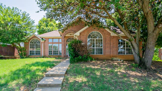 Photo 1 of 26 - 1424 Bogard Ln, Lewisville, TX 75077