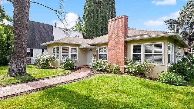 Photo 1 of 27 - 14405 Valley Vista Blvd, Los Angeles, CA 91423