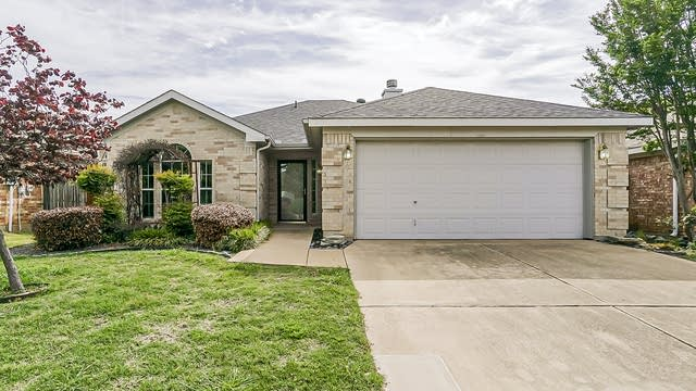 Photo 1 of 26 - 7405 Grass Valley Trl, Fort Worth, TX 76123