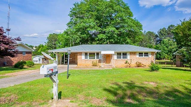 Photo 1 of 19 - 2052 Hillcrest Dr, Douglasville, GA 30135